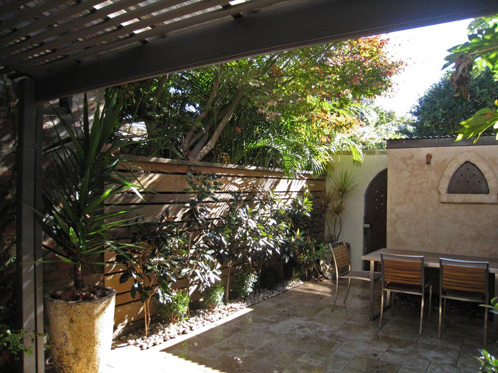 Inner City Backyard Ideas : courtyard landscape design in Alexandria, on the fringe of Inner City